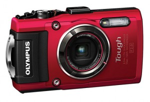 Olympus-TG-4_Red-right