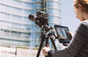 Manfrotto-Dig-Dir-Lifestyle