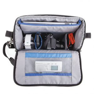 think-tank-mirrorless-mover-30i-open