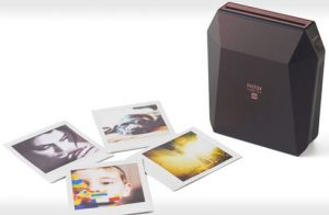 Fujifilm-Instax-Share-Sp-3-black-lifestyle