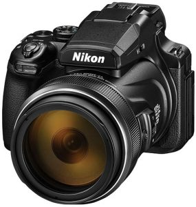 Nikon-Coolpix-P1000-left