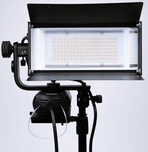 Tiffen-Lowel-Tota-LED-front