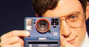 PolaroidOriginals-OneStep2-Stranger-lifestyle