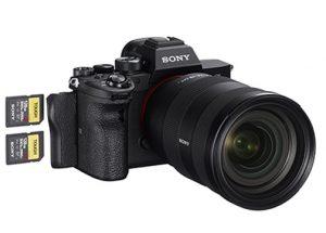 Sony-Alpha-7R-IV-right