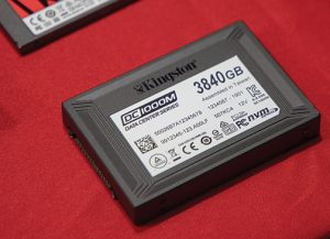 graphics workstation Kingston-Kingston-DC1000M-U.2-NVMe-PCIe-SSD