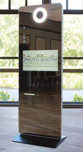 Photo booth international-Mirror-3-Photo-Booth