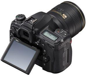 Nikon-D780-LCD