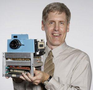 camera design Steve-Sasson-and-Camera