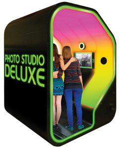 FacePlace-Photo-Studio-Deluxe