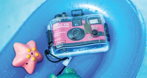 Lomo-Analogue-Aqua-pink-lifestyle