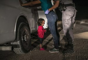 2020 Lucie Impact Award Lucie-Impact-Crying-Girl-on-Border-John-Moore-Getty-Images