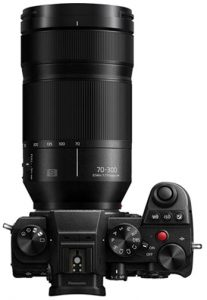 Panasonic-Lumix-S-70-300mm-f4.5-5.6-Macro-OIS-on-camera