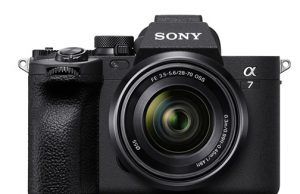 Sony-Alpha-7-IV-front